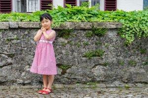 画像3: 【JiJiオリジナル】 チェリー刺繍の スモッキングワンピース (サッカーレッドチェック) 2歳-8歳