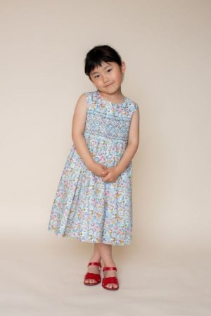 画像1: 【JiJiオリジナル】 リバティプリント スモッキングワンピース (Betsyベッツィ) 2歳-8歳