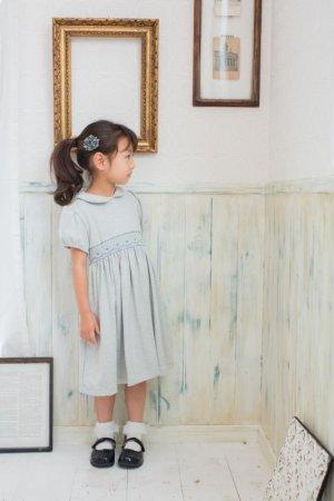 画像2: Malvi&Co.(マルヴィ) ジャージ秋冬素材 幾何学スモッキングワンピース(グレー) 4歳6歳
