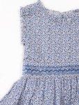 画像2: Malvi&Co.(マルヴィ)<br>小花柄スモッキングワンピース(ブルー)<br>6歳〜10歳 (2)