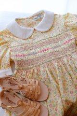 スペシャルな刺繍のイエローフラワースモッキングワンピース 6歳125cm